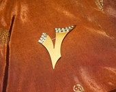 Vintage Bakelite Broach with Rhinestones-V for Victory-WWII