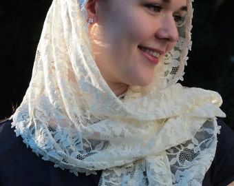 Mantilla Chapel Veil / Catholic Lace Head Covering / Cream Colored Veiling / Soft Lace For Mass / Sacramental /   St. Quiteria