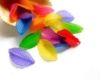 20 Assorted Acrylic Leaf Charms