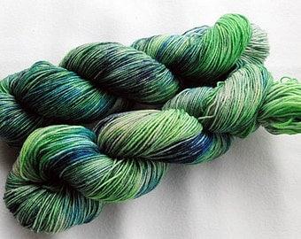 Handpainted Sock Yarn, 75 Wool  superwash, 25 Nylon 100g 3.5 oz.  Nr. 371