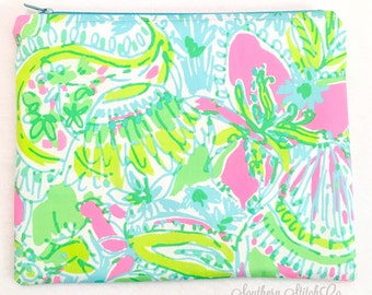 "Clutch in Lilly Pulitzer ""Coconut Jungle"""