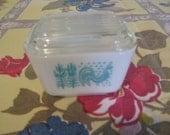 Amish Butterprint Refrigerator Dish by Pyrex