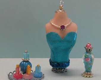 1:12 Scale bust with perfume and nail polish bottles