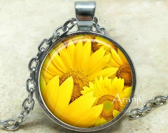 Sunflower art pendant, sunflower pendant, sunflower necklace, sunflower jewelry, sunflower, happy sunflower, summer pendant, Pendant #PL151P