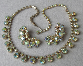 Brilliant Unsigned Weiss Vintage Green Aurora Borealis Rhinestone Necklace & Earrings Set