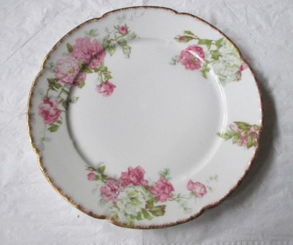 "W. Guerin Limoges 9-5/8"" Plate, Pink & White Roses, Gold Trim, Hand-Decorated (ca. 1920s)"