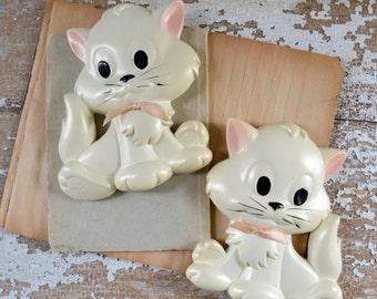 Vintage Chalkware White Cat Wall Hanging - Miller Studio Art Kitty Decor Plaster