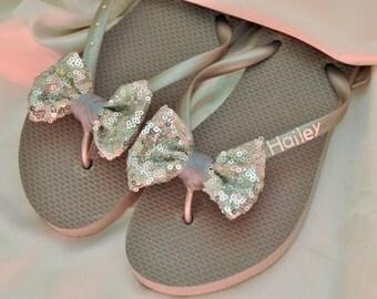 Custom WEDDING SEQUIN BOW Flip Flops Bridesmaid Bride Flip Flops, Personalized Bling Bow Flip Flops, Bridesmaid Bridal Party Gift, Beach