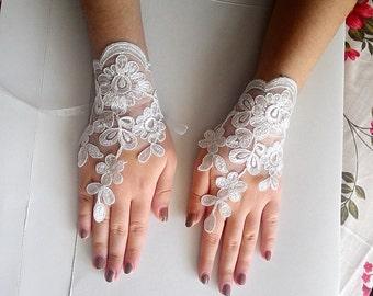 Floral bridal gloves, Ivory wedding gloves, ivory fingerless gloves, lace fingerless gloves,