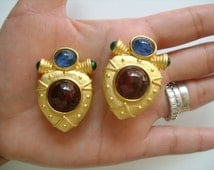 Lovely Vintage Jewelry Brushed Matte Yellow Gold Plated Blue Green Red Maroon Gripoix Poured Glass Embellishments Elegant Etruscan Earrings