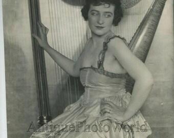 Marie Macquarrie harp player antique music photo