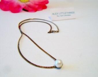Vintage Single Pearl Pendant Necklace