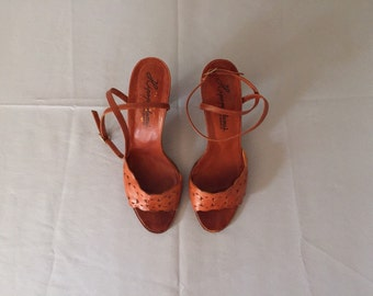 chestnut leather high heel sandals / 70s scalloped strappy sandals