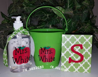Personalized teacher gift bucket set lime