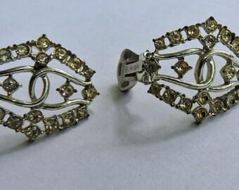 Vintage Emmons Signed Rhinestone Interlocking U Design Clip On Earrings