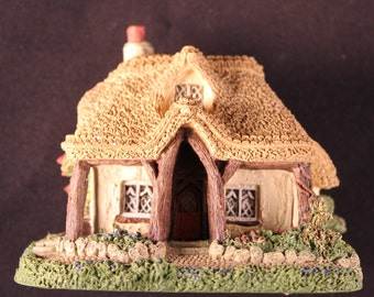 Woodcutter's Cottage collectible building/Hawthorne Collection Collectibles/British Traditional thatched cottage/ English cottage