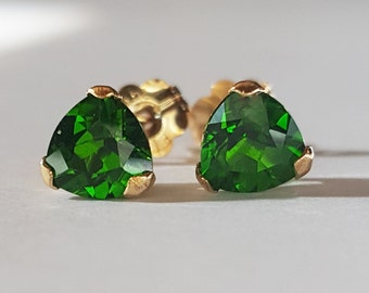 14kt Yellow Gold .95ctw Top Chrome Diopside Earrings