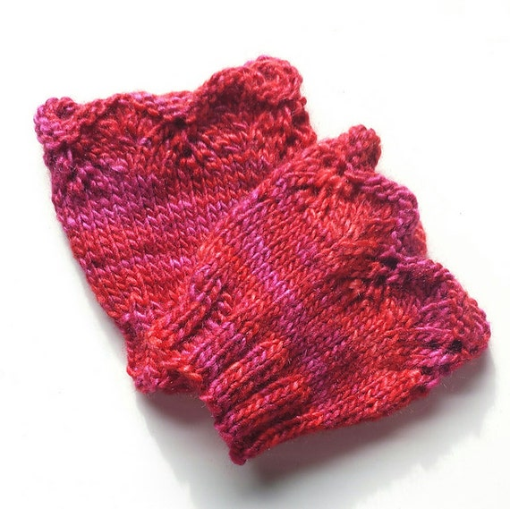 Lace Wristlets Knitting Pattern : Lace Wrist Warmers