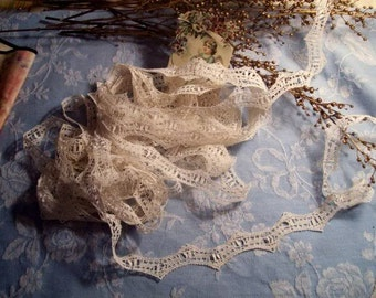 A pretty thin old lace