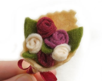 Flower Brooch, Plum Rose Bouquet Brooch, Dusty Pink Felt Brooch, Plum Pink and Cream Flower Pin, Wedding Favor, Gifts under 10, Small Gifts