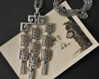 1960s Trifari Asian Style Necklace