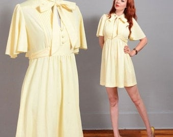 Adorable vintage 1970s yellow babydoll bow tie mini dress flutter sleeves - sm to md