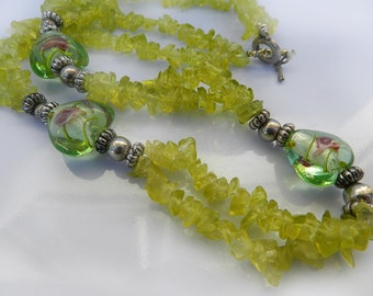 Vintage Green Glass Chip Necklace, Green Glass Lampwork Bead Necklace