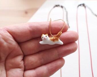 Run Cat Ceramic Necklace