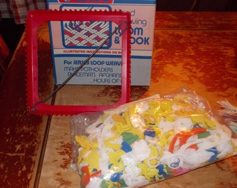 c-vintage new potholder loom with loom loops