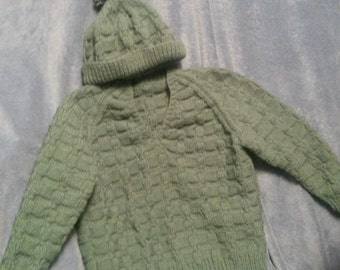 Size 7/8 pullover v-necked green sweater with hat