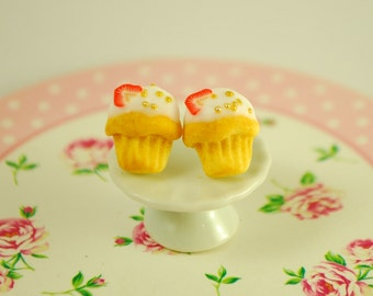 cupcake earrings - food jewelry