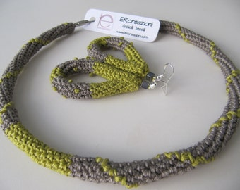 Necklace in cotton crew neck, dove gray and yellow acid. Handmade crochet