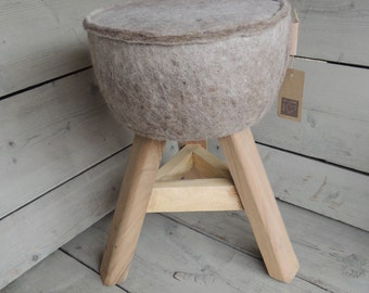 Robust stool with unique session (wool felt)