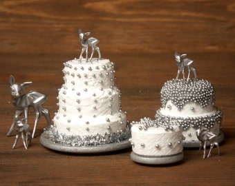 """Charming Miniature Winter Cake """"Snowflake"""" for Your Dollhouse"""