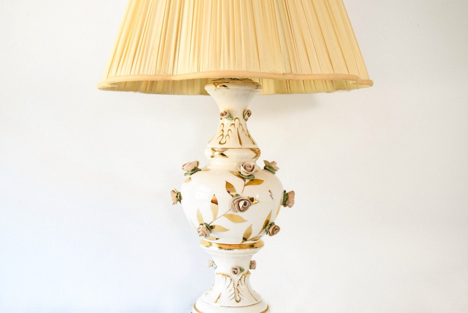 Vintage Table Lamps With Flowers : Antique floral lamp table
