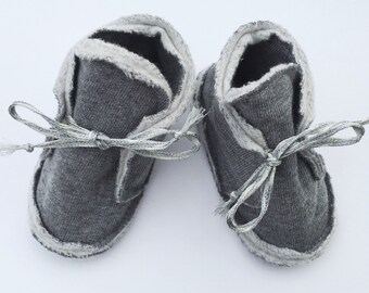 CAN BE PERSONALISED Organic cotton baby booties