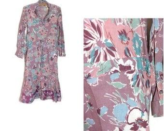 Vintage floral dress // tea dress // peasant dress // 70s // wedding guest dress / gypsy boho dress // floral garden party dress