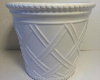 White Ceramic Bowl/Planter - lattice design