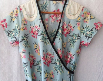 womens dress wrap around in vintage cotton with vintage embroidery size 16