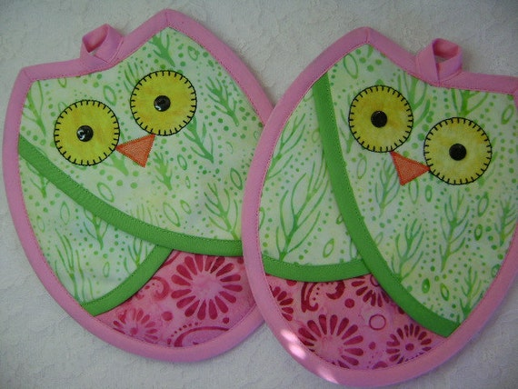 Mint Green and Pink Owl Potholders, Owl Oven Mitts, Owl Hot Pads, Pot Holders, Owl Kitchen