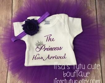The princess has arrived tutu outfit. Newborn outfit. Newborn photo outfit. Princess tutu set.