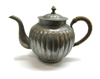 Vintage Copper Chinese Teapot with Rattan Handle