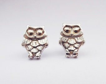 Fine silver owl stud earrings