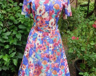 Tea Dress Vintage Dress Floral 1980s padded shoulders Summer Dress Fitted