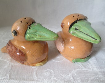 Vintage Red Clay Crows Salt and Pepper Shakers, Mexican Folk Art, 1940s