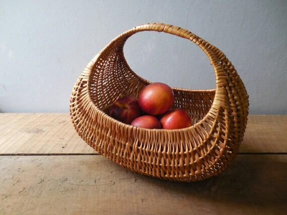 Vintage Wicker Basket ~Large Gondola or Moon Basket ~ Easter, Wedding Table Decor    /# 0602