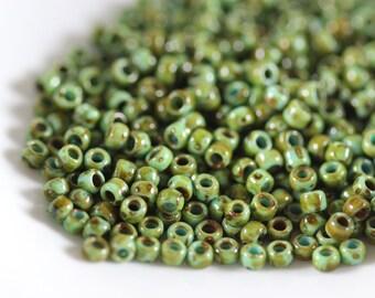 TOHO Seed Bead 15/0 ~ HYBRID Turquoise Picasso 8 Grams (TR-15-Y307) N-34