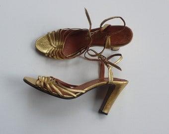 Vintage Lido Gold Heels / Size US 6B