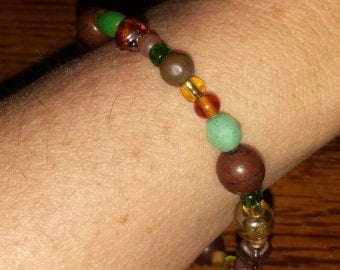 Natural browns and greens beaded bracelet
