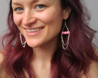 Pink speckled bead bar and silver chain drop earrings